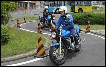 教習所、バイク、教官